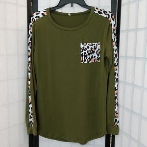 Tops - Dark Green Pullover Top With Camo Design sz M
